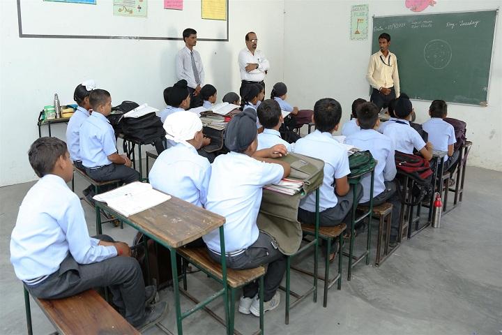 Shri Guru Gobind Singh Convent School-Classroom