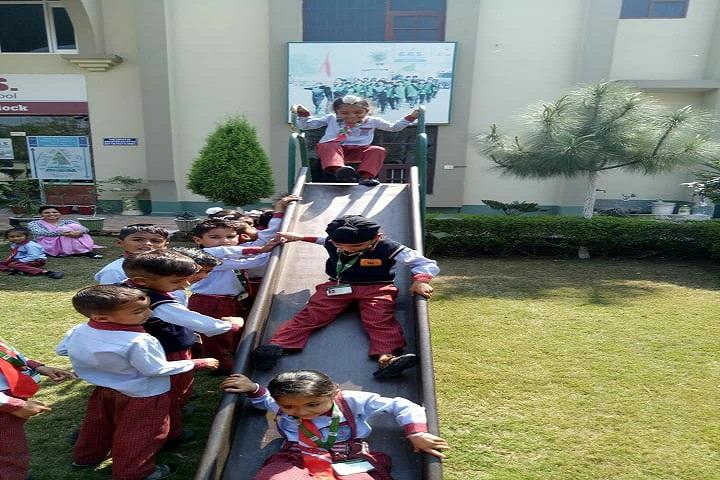 Shri Guru Gobind Singh Convent School-Kids Play Area