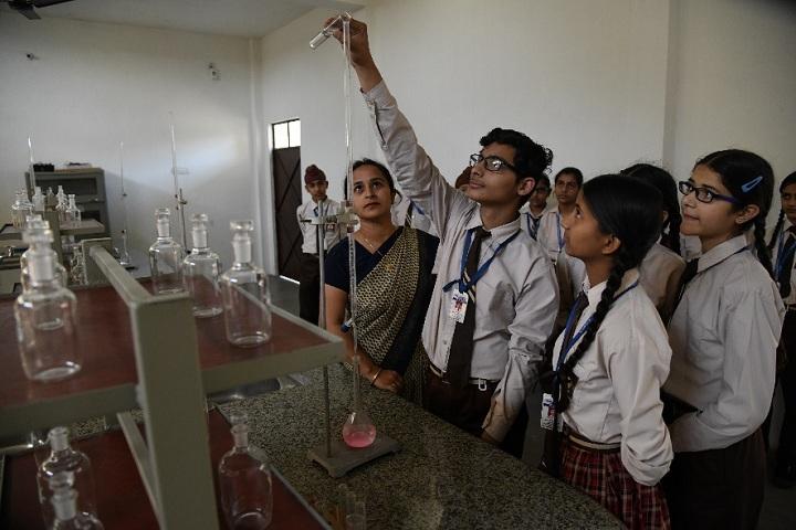 Shri Harkrishan Public School-Chemistry Lab
