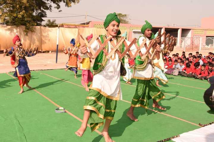 Shri Krishna Parnami Public School-Dance