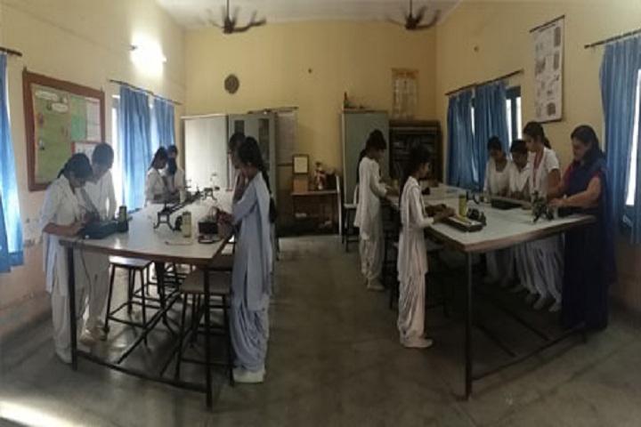 Shri Tharu Ram Arya Kanya Uchatam Madhyamik Vidyalaya-Physics Lab