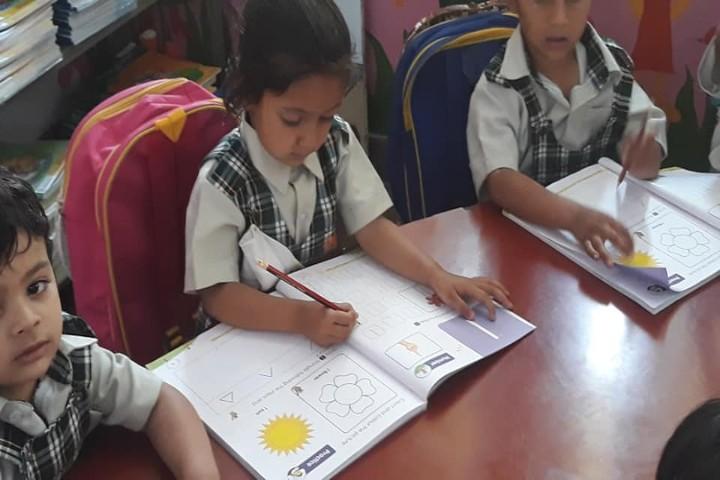 St Vivekanand Millennium School-students