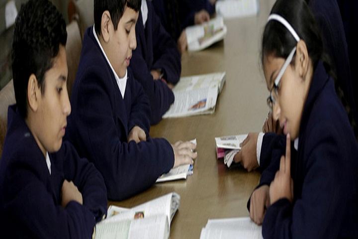 Swami Vivekananda Public School-Library