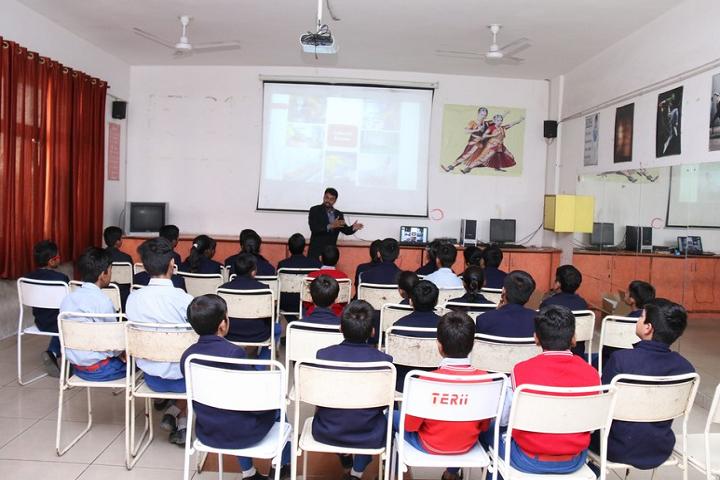 Teri Public School-Classroom