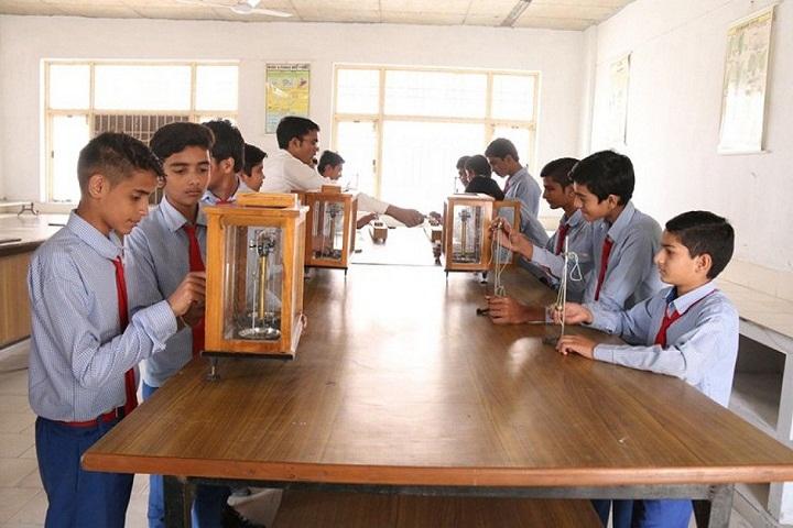 Teri Public School-Physics-Lab