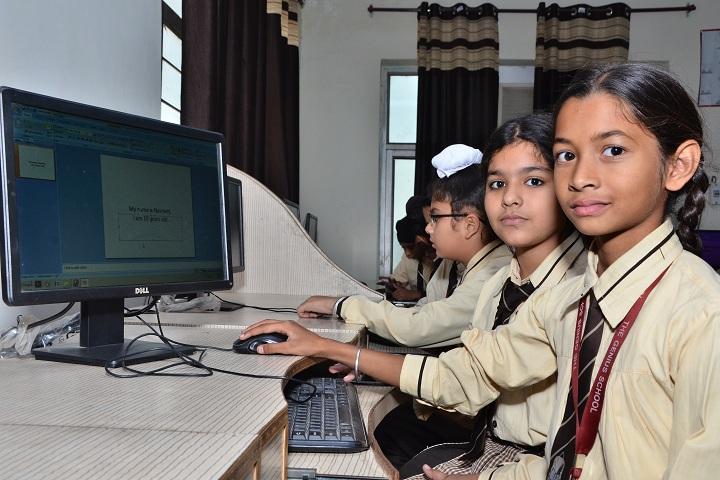 The Genius Senior Secondary School-Computer lab