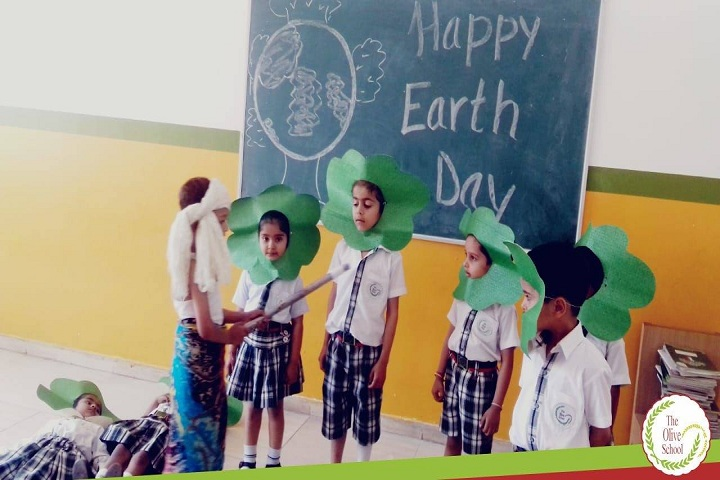 The Olive School-Earth day