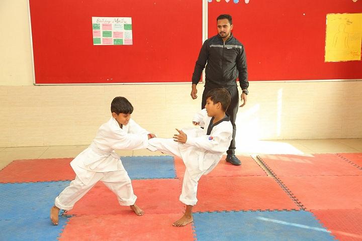 Universal Academy - Karatea