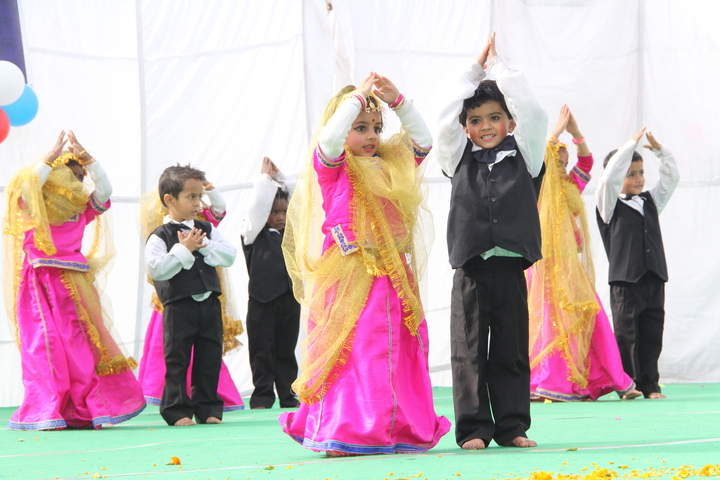Golden Valley Public School-Dancing Activity