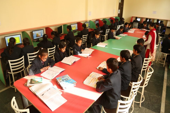 Him Gurukul International School-Computer Lab