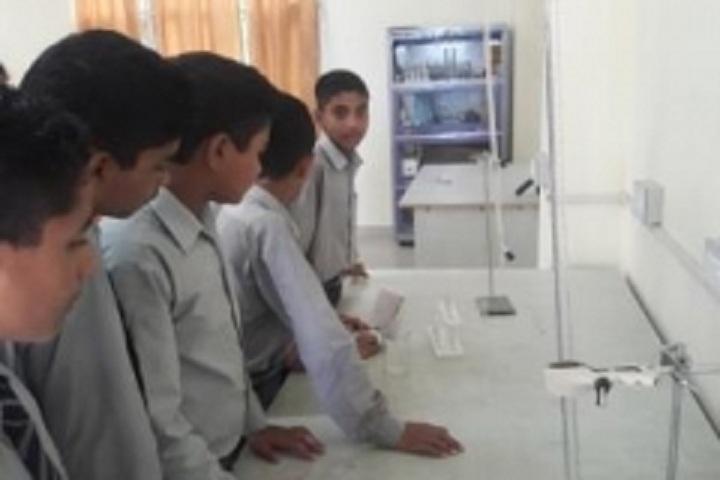 Laureate Global School-Lab1