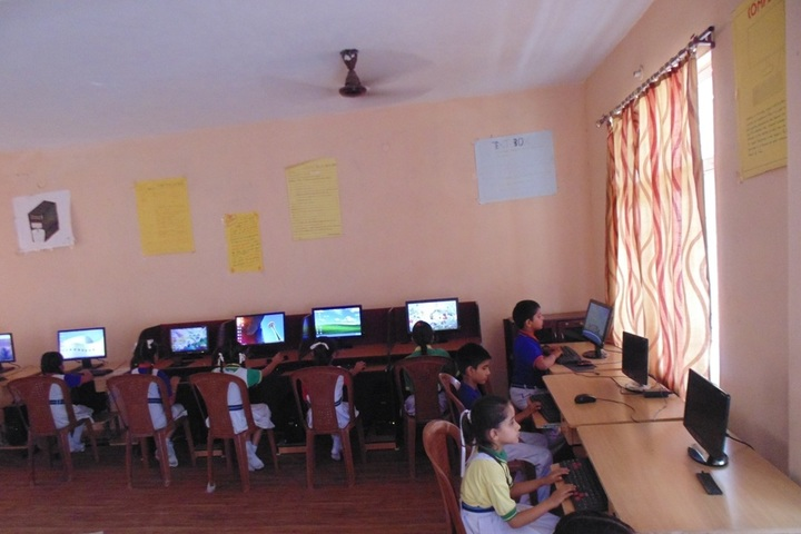 Lotus International Convent School-Computer-Lab
