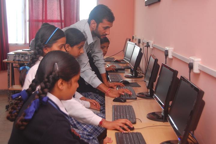 Mount Shivalik Public School-Computer-Lab