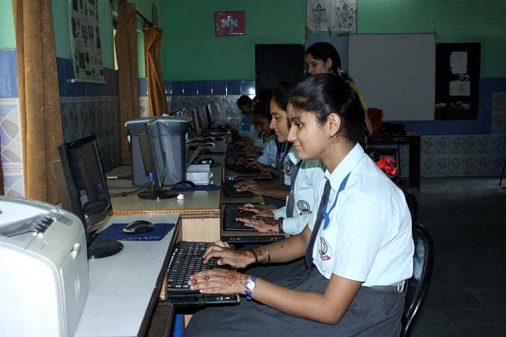 Parmar International School-Computer-Lab