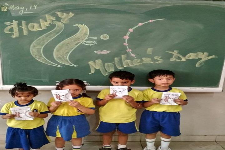 Partap World School-Yellow Day