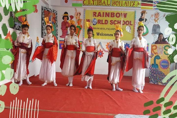 Rainbow World School-Dancing Activity