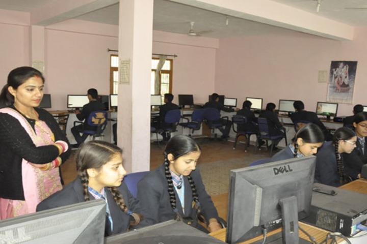 Ramanujam Royal Convent School-Computer Lab