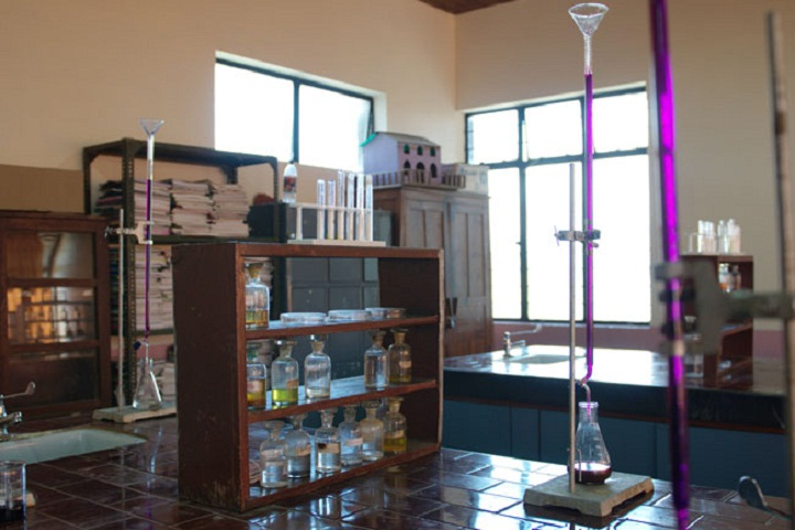 St Lukes Senior Secondary School-Chemistry-Lab
