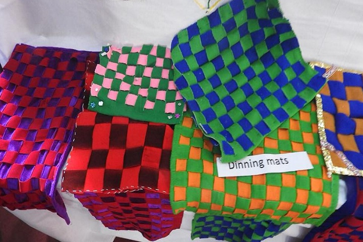 St Thomas School-Mats knitting