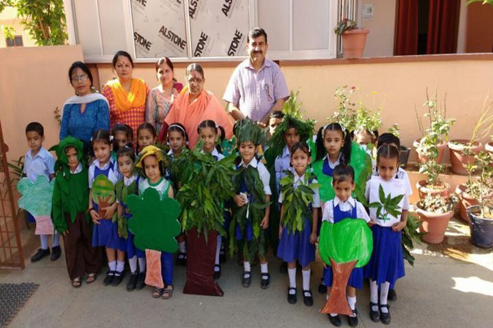 Brahmrishi Bawra Shanti Vidyapeeth School-kids craft