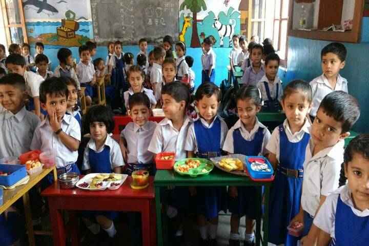 Brahmrishi Bawra Shanti Vidyapeeth School-lunch time 2