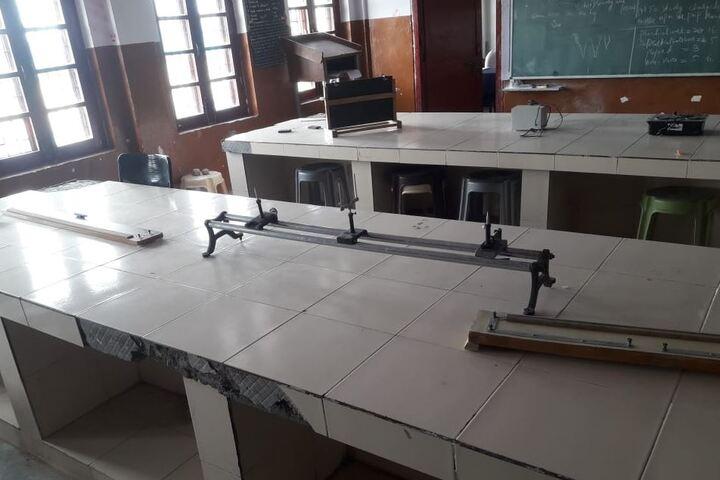 Jawahar Navodaya Vidyalaya-Physics Lab
