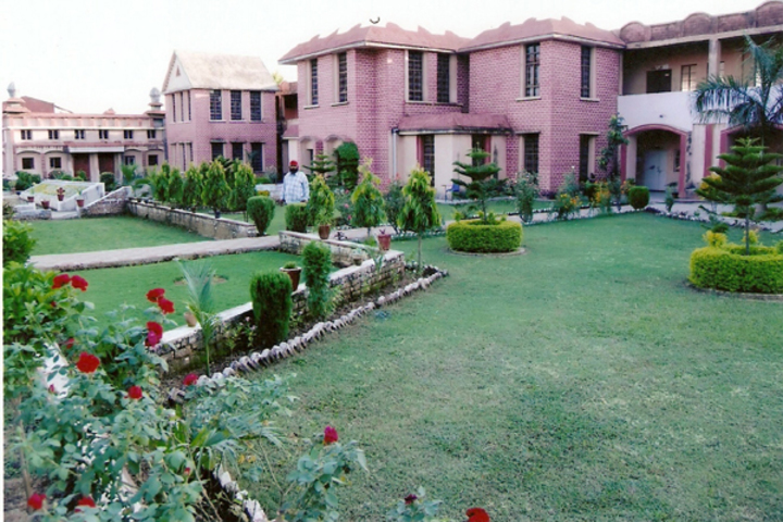 Sh Guru Gang Devji Model School-Garden