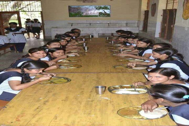 Jawahar Navodaya Vidyalaya - Lunch together