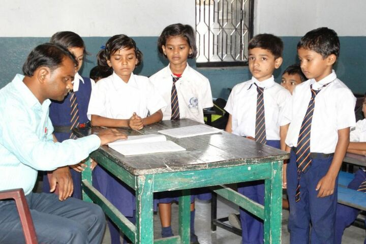 Ram Tahal Choudhary High School-Classroom