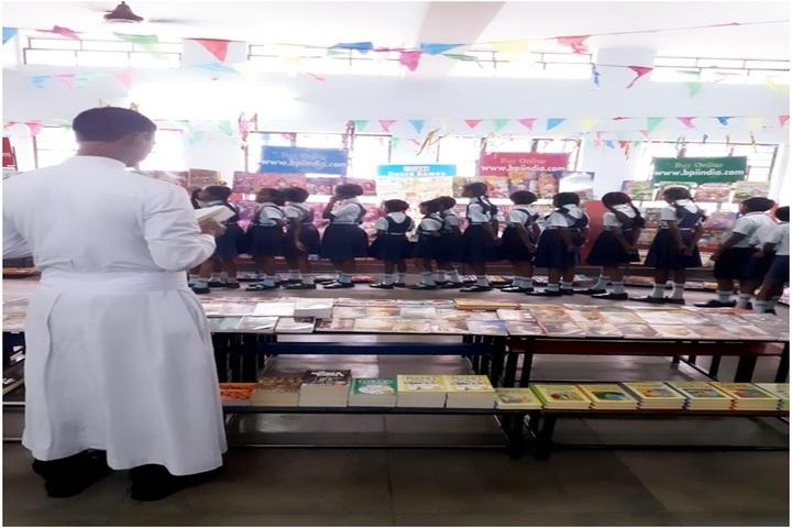 St Johns School-Mini Book Fair