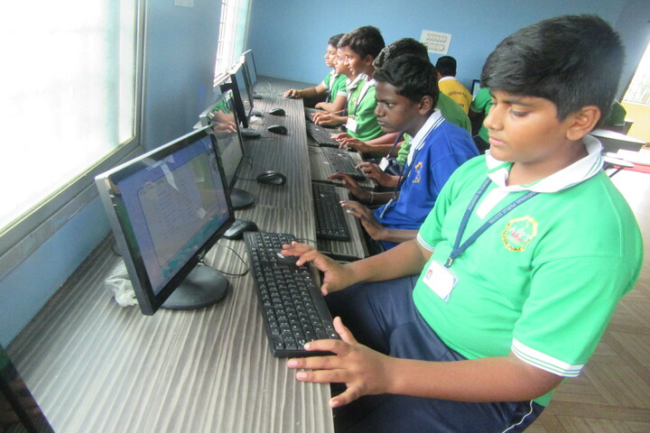 Akshara International Public School-Computer Lab