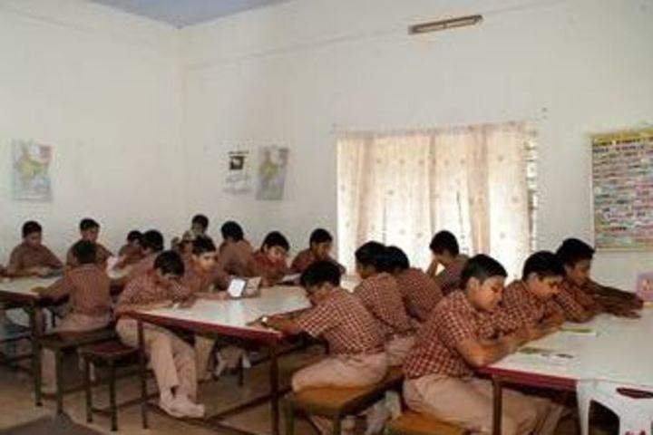 Amrita Vidyalayam-Reading Room