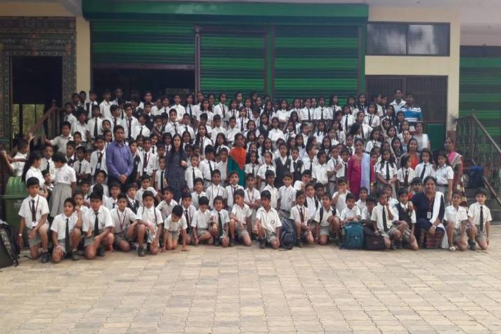 Angadi International School-Picnic