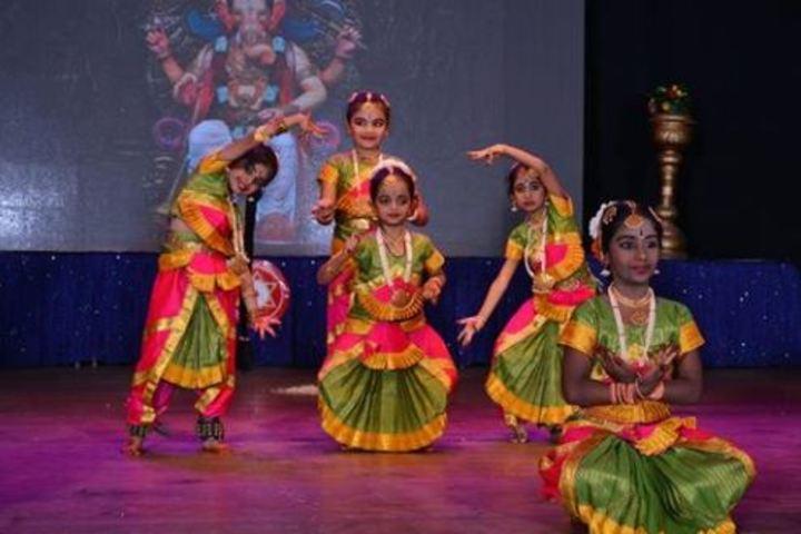 Atreya Vidyaniketan-Dances2