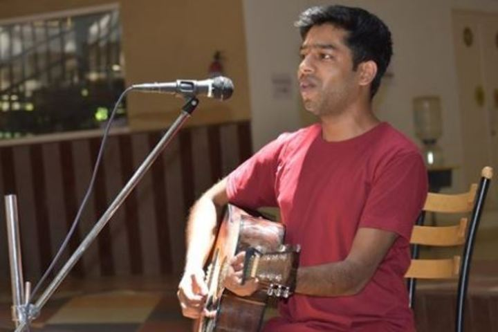 Auro Mirra International School-Singing