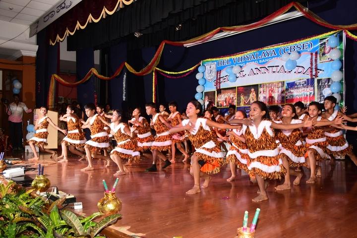 B E L School-Dances