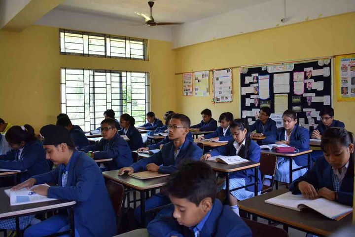 axel public school - class room