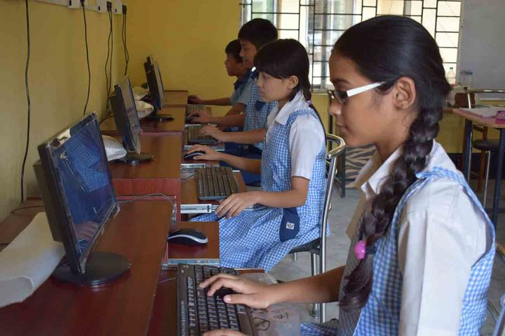 axel public school - computer lab
