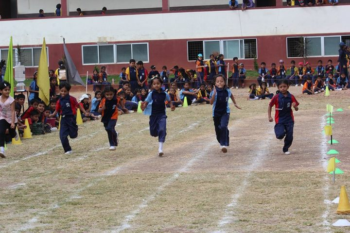 Christ School-Running Race