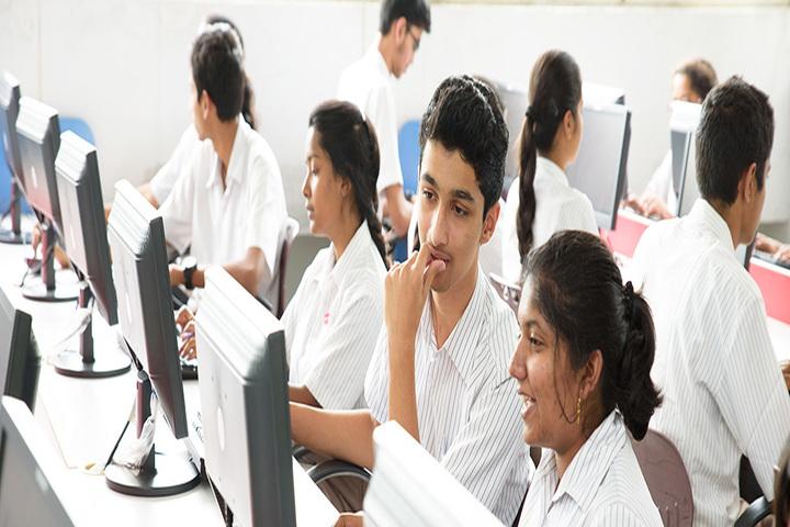 Cmr National Public School-IT Lab