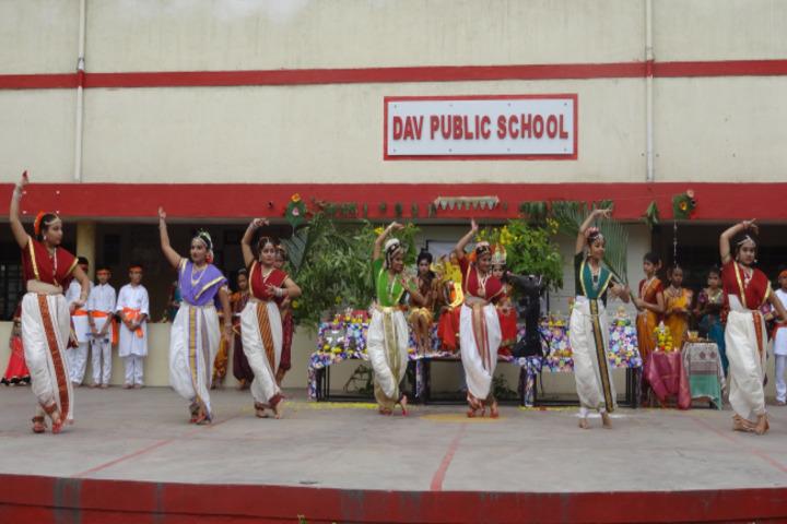D A V Public School-Fest