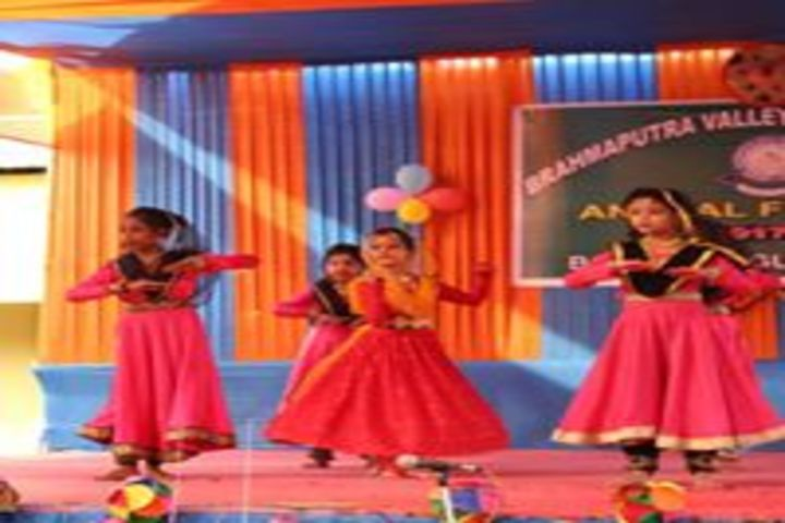 Brahmaputra Valley English Academy - dance