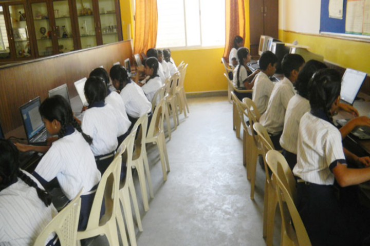 Deeksha High School-Computer Lab