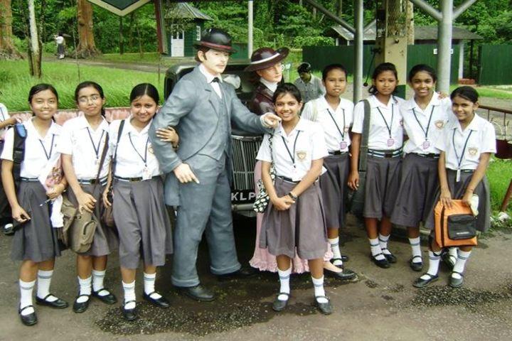 Budding Buds School - excursion