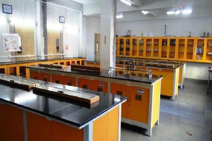 Budding Buds School - physics lab