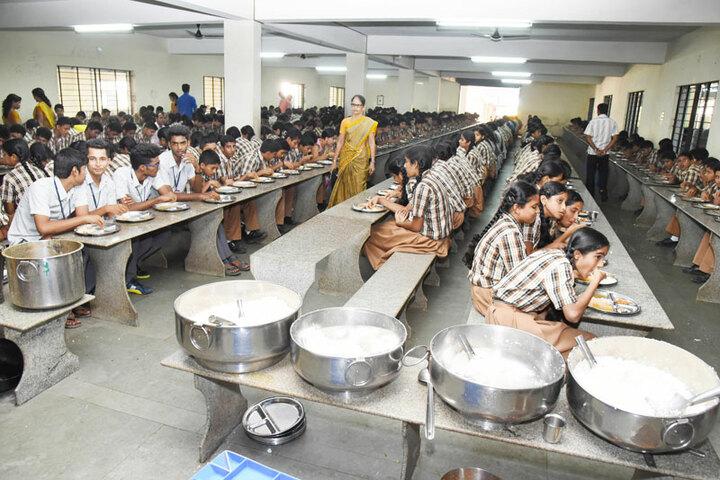 G M Vidyanikethan Public School-Mid Day Meal