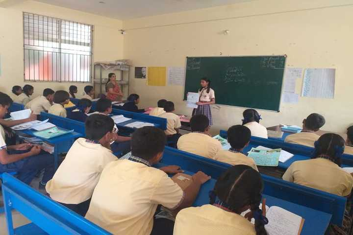 Giridhanva School-Classroom