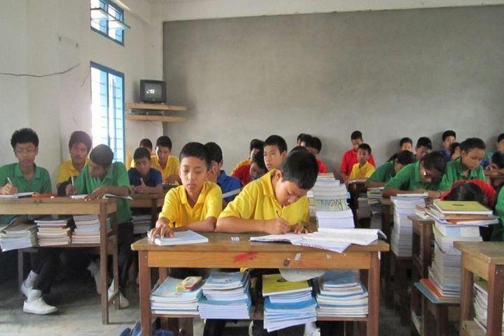De pauls public school - class room