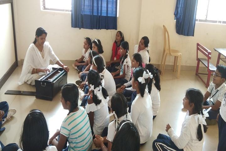 J S S Shri Manjunatheshwara Central School-Music class