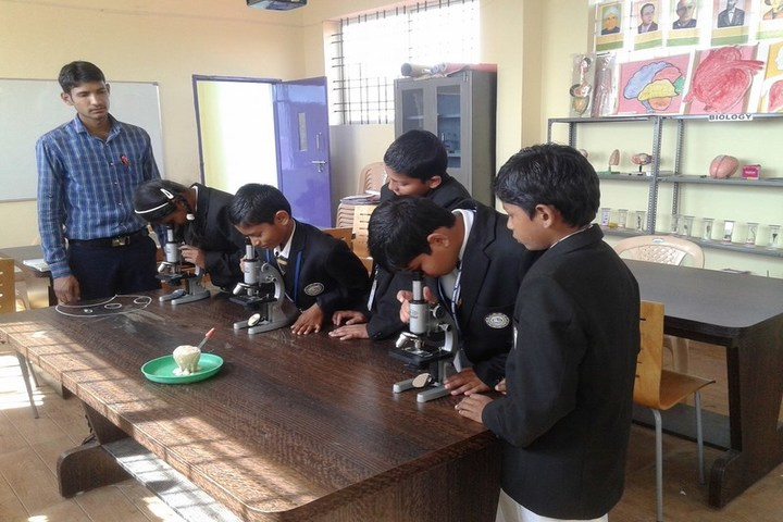 Jnanasagara Central School-Biology Lab